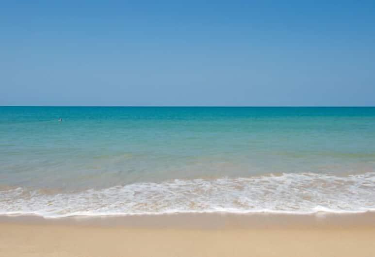 Khao Lak Blue Lagoon Resort, Takua Pa, Beach