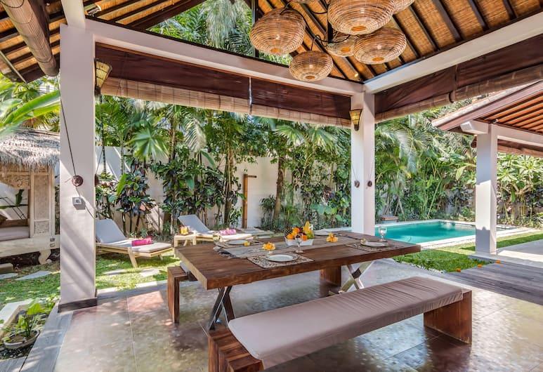 Villa Can Barca, Seminyak, Dining
