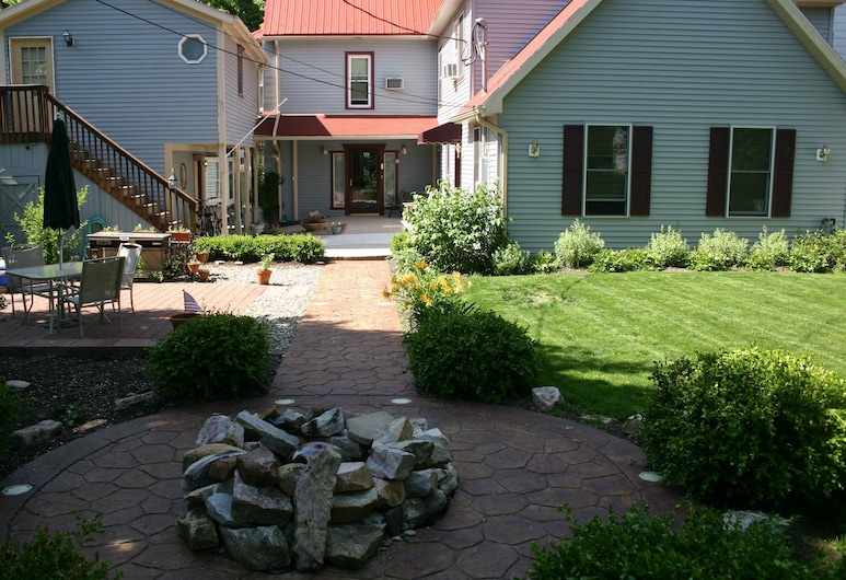 Springfield House Bed and Breakfast, Boalsburg, Terrace/Patio