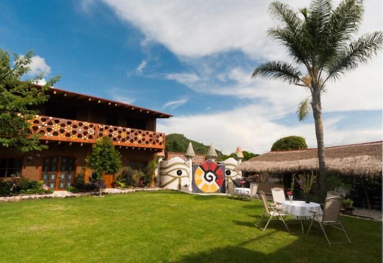 Paradise Hotel Boutique & Lounge, Malinalco, Garden