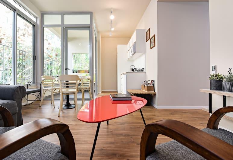 Hanasi 129 - Boutique Apartments, Haifa, Living Room