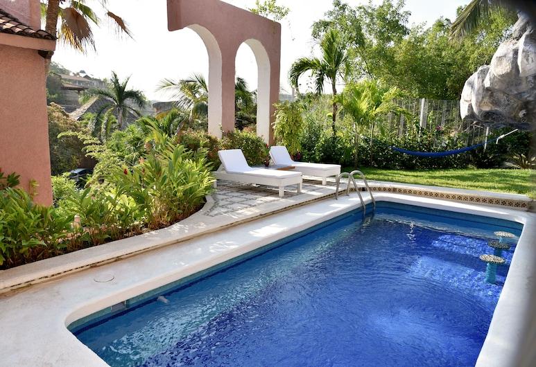 Villa de la Roca, Zihuatanejo, Pool