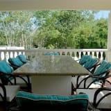 Grand Luxury Villa Private Pool - 4 Bedrooms Villa - บริการอาหารในห้องพัก
