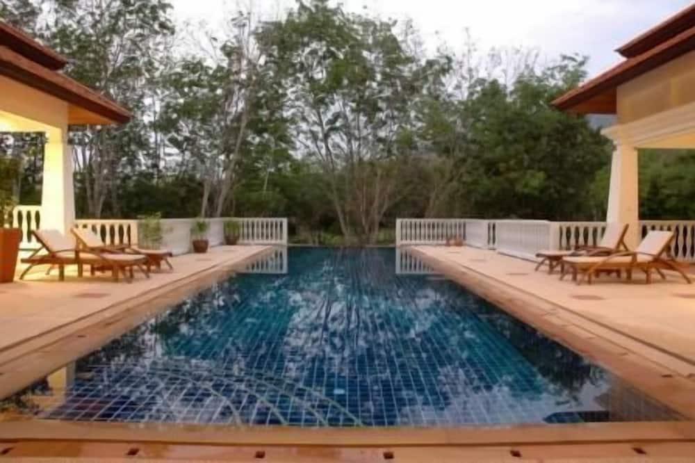Grand Luxury Villa Private Pool - 4 Bedrooms Villa - ลานระเบียง/นอกชาน