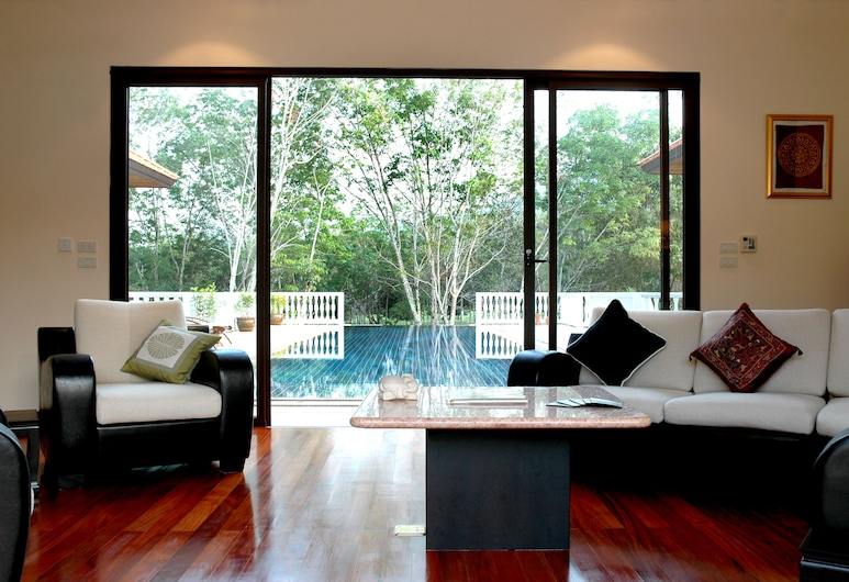 The Gardens Villas, Thep Kasattri, Grand Luxury Villa Private Pool - 4 Bedrooms Villa, Living Room