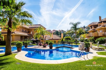 Picture of Aloha Hill Club Golf & Spa in Marbella
