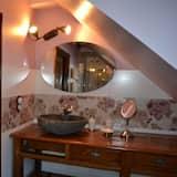 Premium-Vierbettzimmer, mit Bad (La Cabrette) - Badezimmer