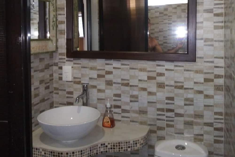 Superior Studio Suite, 1 Bedroom, Private Pool, Pool View - Bathroom