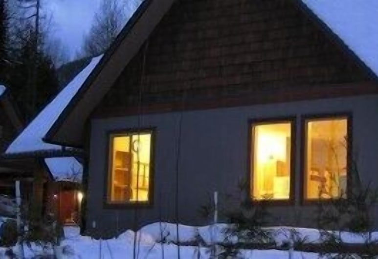 Mountain Town Properties Aladar's Guest Cabin, Rossland, Cabaña, 2 habitaciones, Habitación