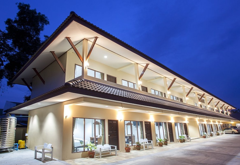 Baan Supannikar Boutique Hotel, Nakhon Si Thammarat, Hotel Front – Evening/Night