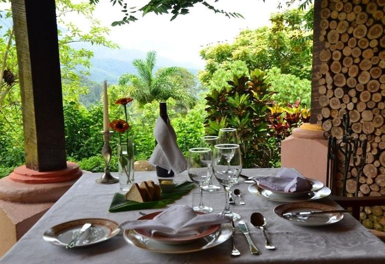 Portal de la Montaña, Sabanillas, Restaurante al aire libre