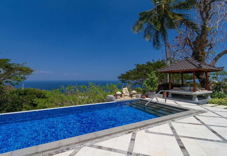 Villa Karingal, Senggigi, Outdoor Pool