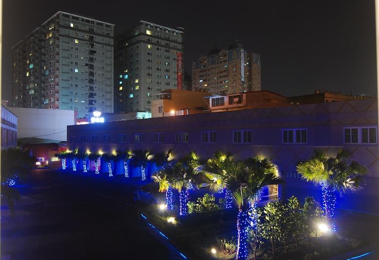 Beckham Motel, Taoyuan City, Viešbučio fasadas vakare / naktį
