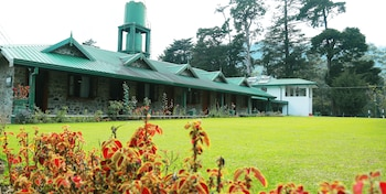 Picture of Nuwara Eliya Golf Club in Nuwara Eliya