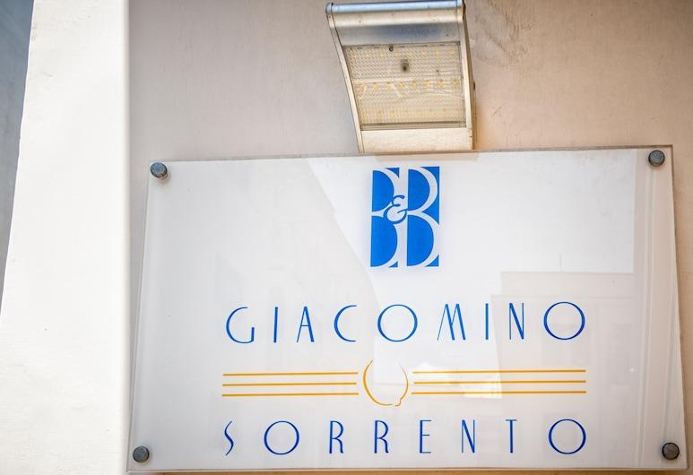 B&B Giacomino, Sorrento, Bagian Depan Hotel