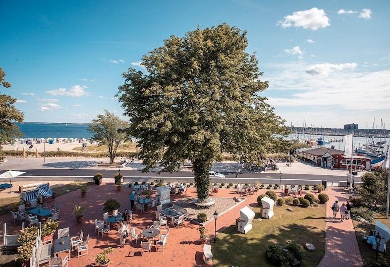 Strandhotel Strande, Strande, Speisen im Freien