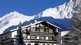 Choose this Pension in Soelden - Online Room Reservations