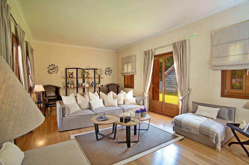 Розкішна вілла, 5 спалень, приватний басейн, з видом на море - Житлова площа