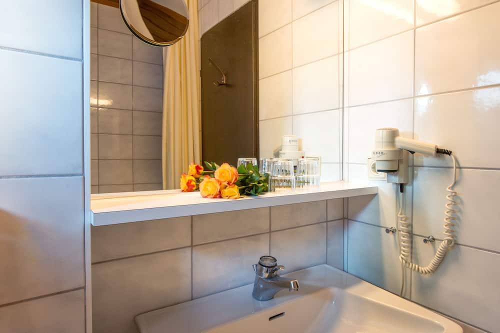 Classic-Doppelzimmer (Wildsee) - Badezimmer