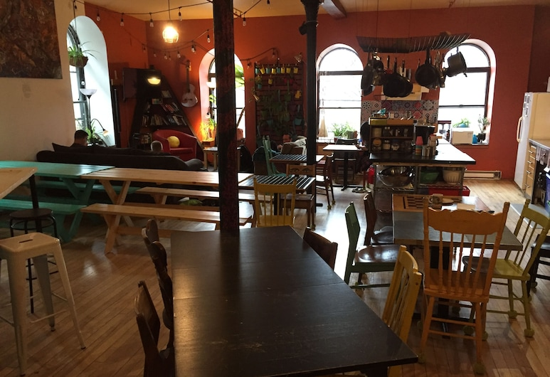 Auberge Alternative du Vieux-Montréal - Hostel, Monreāla, Dzīvojamā zona