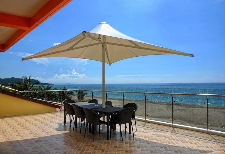 Awesome Hotel, San Juan, Executive Suite, 3 Bedrooms, Non Smoking, Terrace/Patio