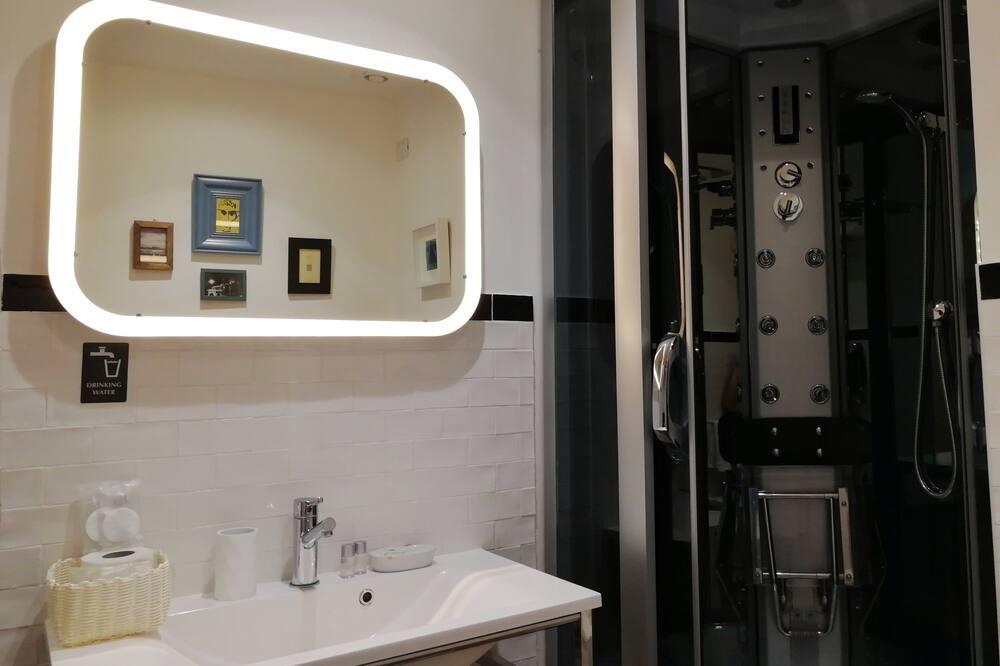 Premium Δίκλινο Δωμάτιο (Double ή Twin) - Μπάνιο