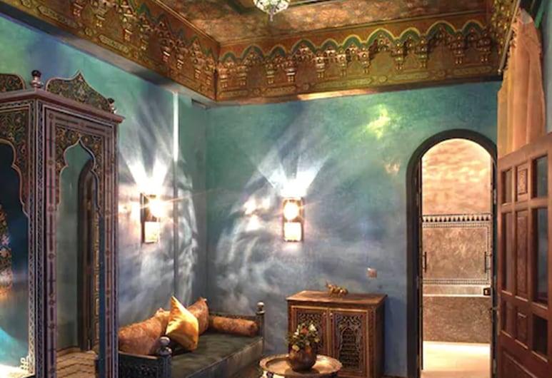 Riad Mumtaz Mahal, Essaouira, Luxury Suite, Guest Room