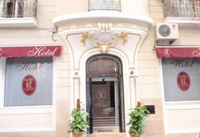 ST Hôtel, แอลเจียร์, ด้านหน้าของโรงแรม