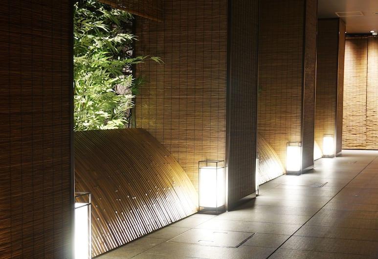 Tokyo Ekimae BAY HOTEL, Tokió, Hotel bejárata