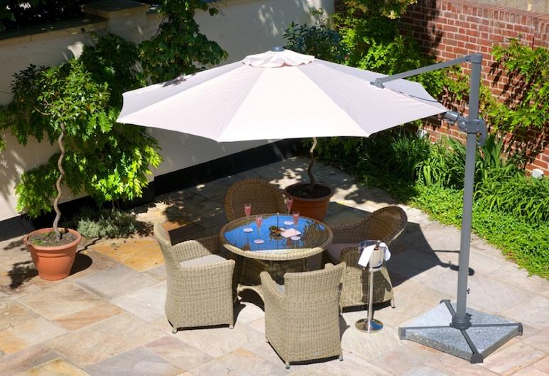 GreyFriars, Colchester, Junior Suite (Split Level), Pogled na dvorište