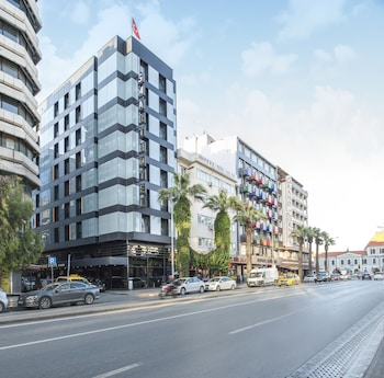 Enter your dates to get the Izmir hotel deal