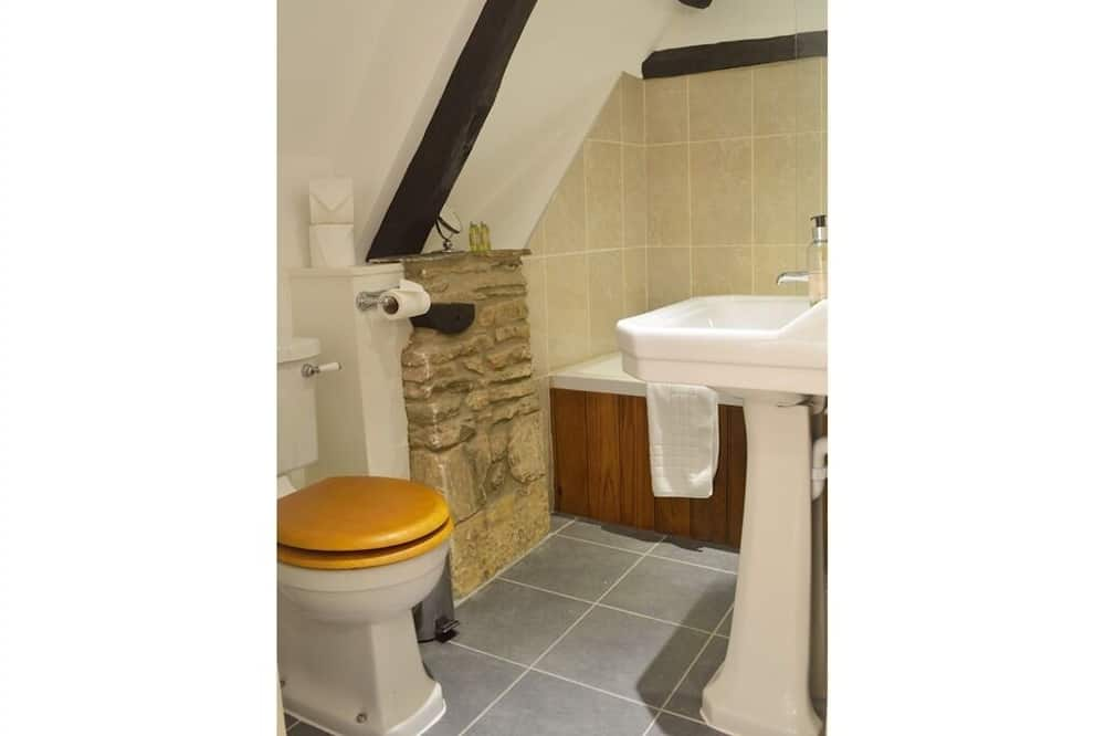 Double or Twin Room, Ensuite (Bath and Shower) - Bathroom