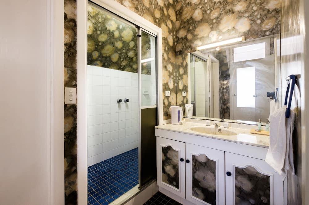 Номер категорії «Superior», 1 ліжко «квін-сайз», суміжна ванна кімната - Ванна кімната