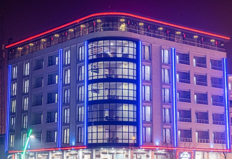 Mus Grand Hotel, Mus