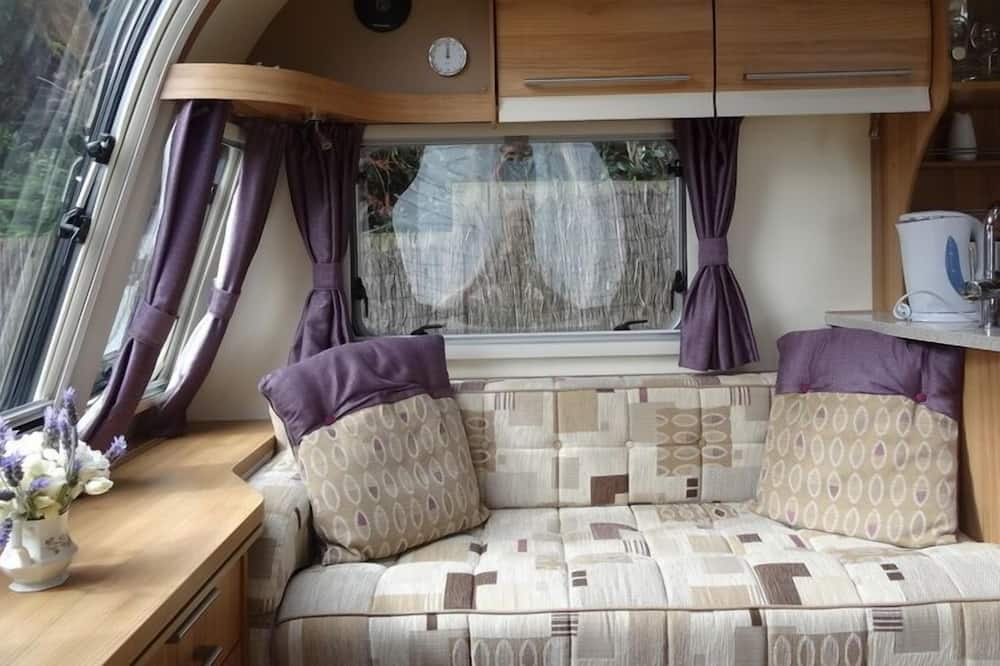 Luxury Mobile Home, Multiple Beds (Cadiz Caravan) - Living Area