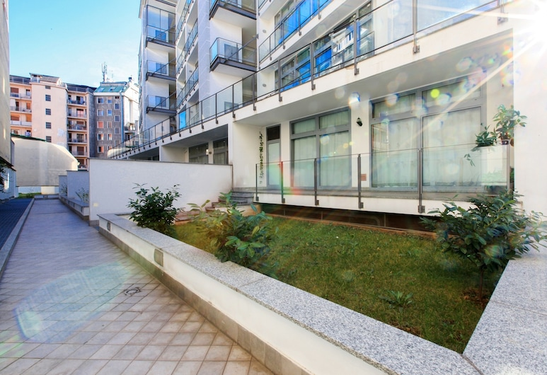Red Line Apartments, Milan, Terrace/Patio