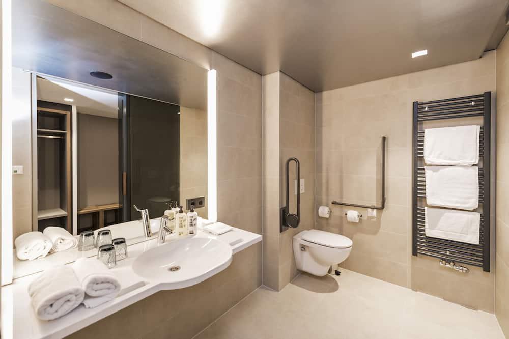 Superior-Doppelzimmer (Pfeffer) - Badezimmer