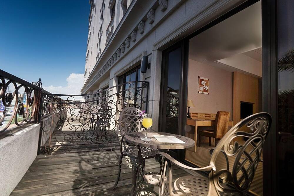 Deluxe Dört Kişilik Oda - Balkon