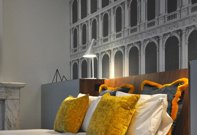 Raphael Suites, Antwerpen, Insida