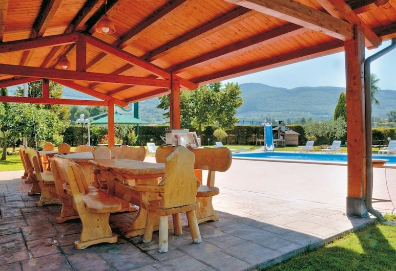 Agriturismo Valle Del Subasio, Assisi, Terrace/Patio