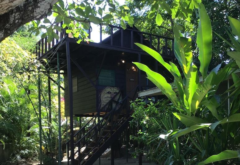 T-Bird on the Cliffs, נגריל, בית על עץ בייסיק, מיטה זוגית, נוף לחצר, אזור הגן, חדר אורחים