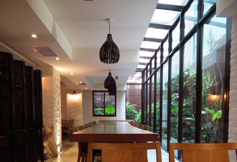 Lan Kwai Fong Garden Hotel, Chiayi Şehri, Lobi