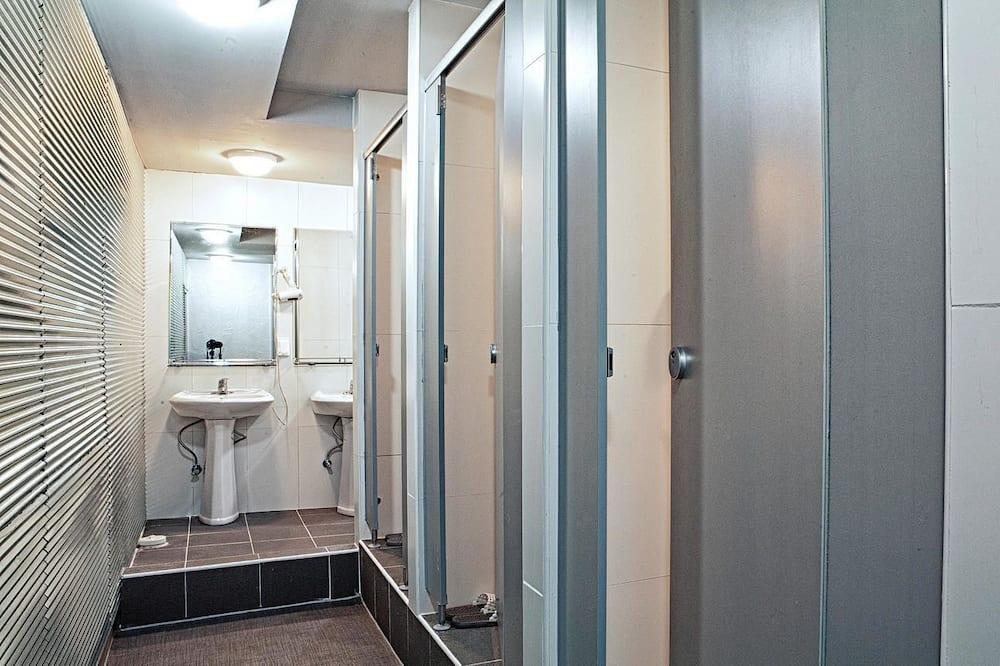 Slaapzaal, gemengd (12 persons) - Badkamer