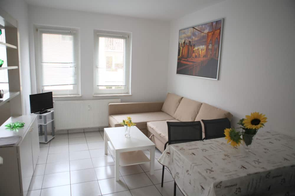 Apartment, 2 Bedrooms, City View (Dibergstraße 50) - Living Room