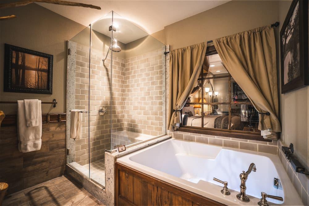 Interior Double Queen Room - Banyo