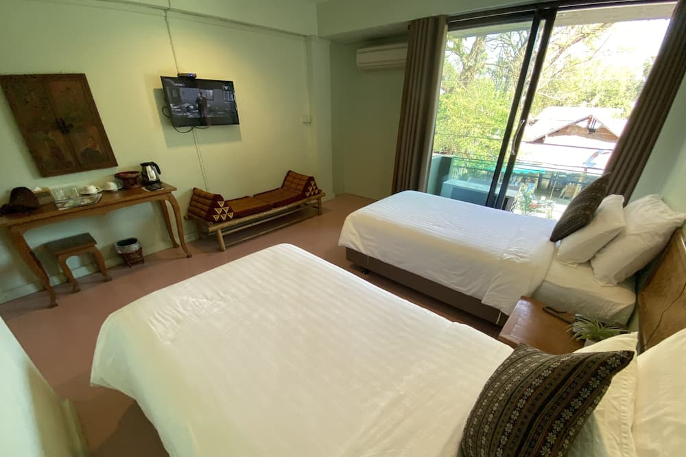 Standard szoba kétszemélyes vagy két külön ággyal - Kilátás a városra