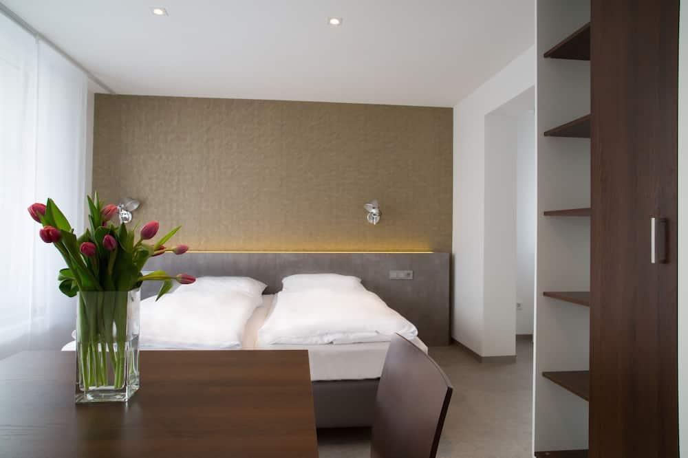 Apartment, Balcony (C) - Room