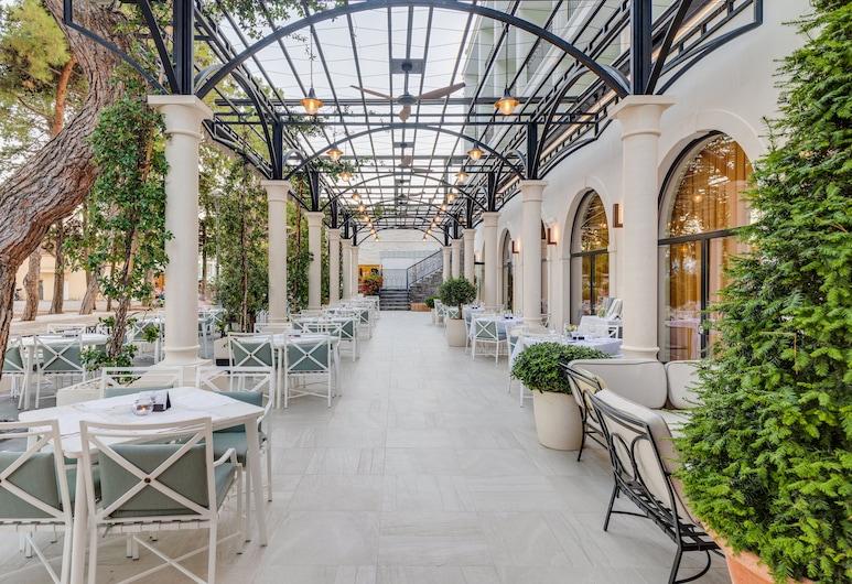 Hotel Budva, Budva, Terrasse/patio