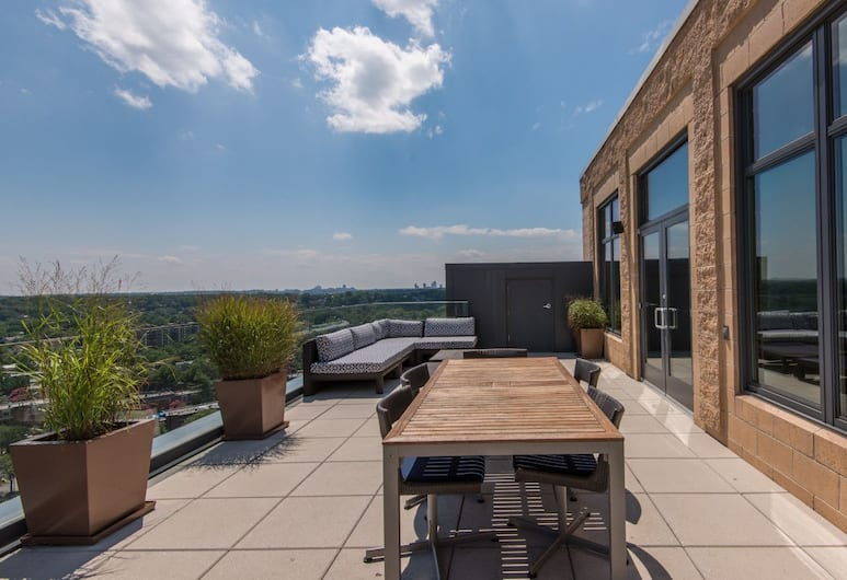 Millennium by Executive Apartments, Arlington, Terrasse/Patio