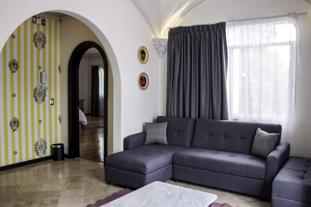 Master Executive Suite - Living Area